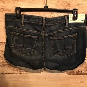 New Silver Jeans Shorts Size 16
